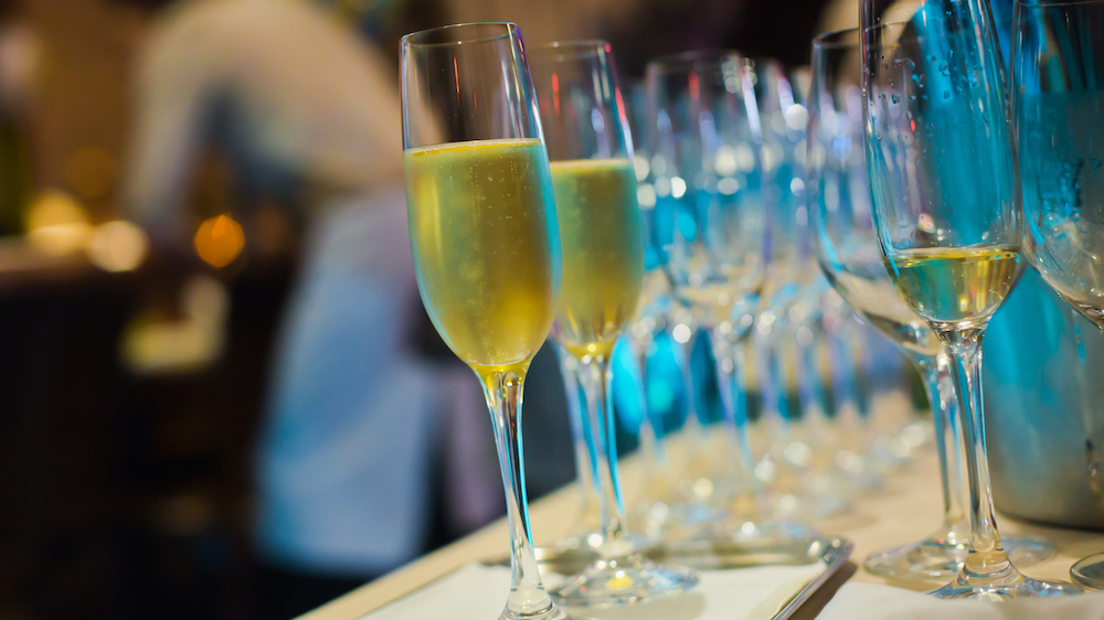 Tips for choosing the best corporate hospitality for your company