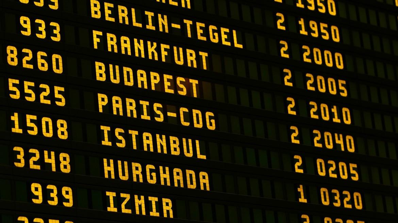 airport-1890943_1920