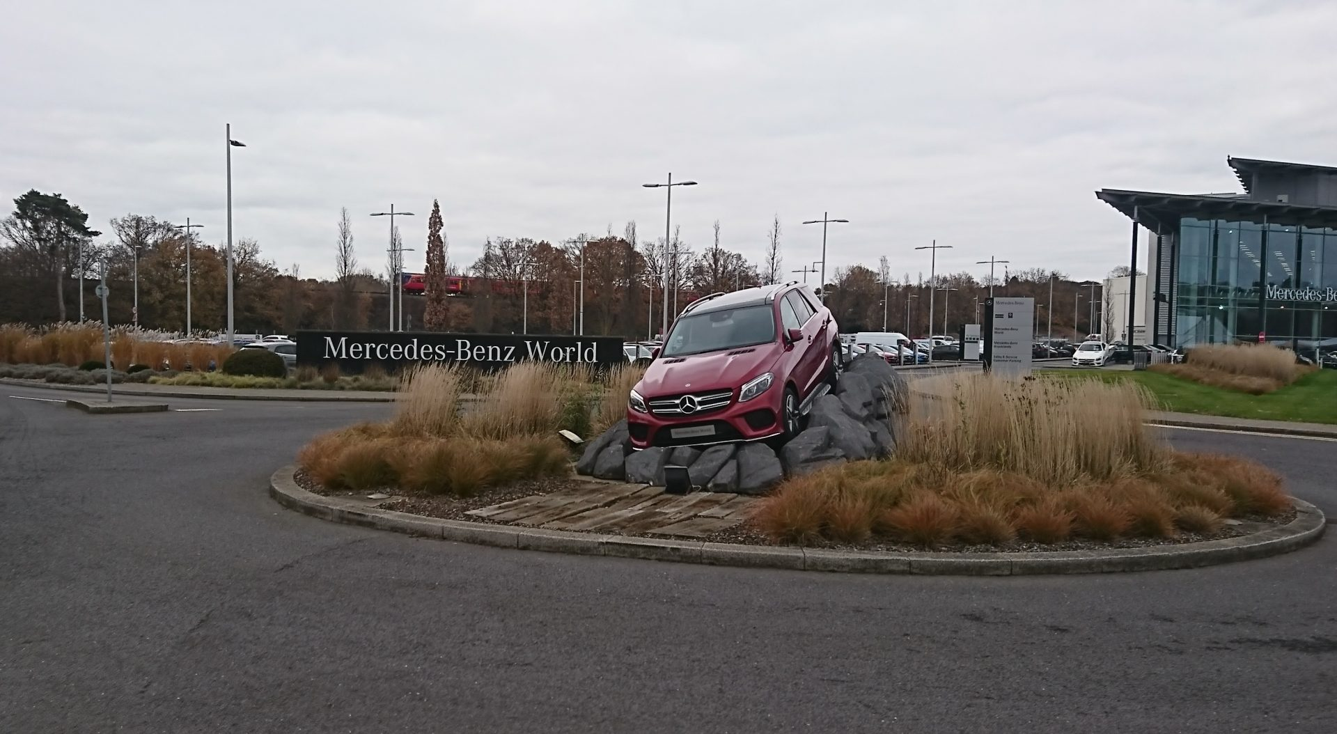 MBenz-World-1920x1054