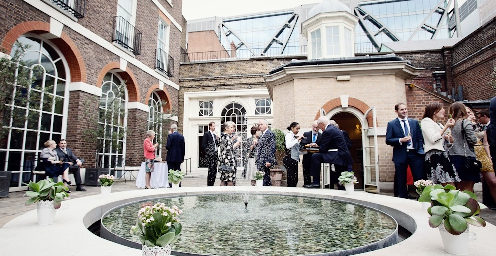 Skinners Roof Garden 3 - Image with guests