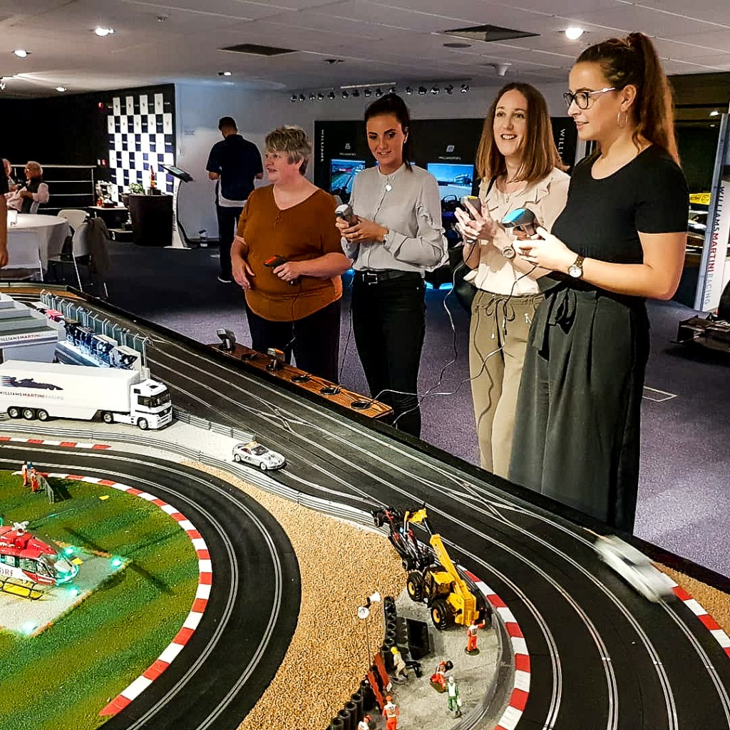 Williams - Think Scalextric racing