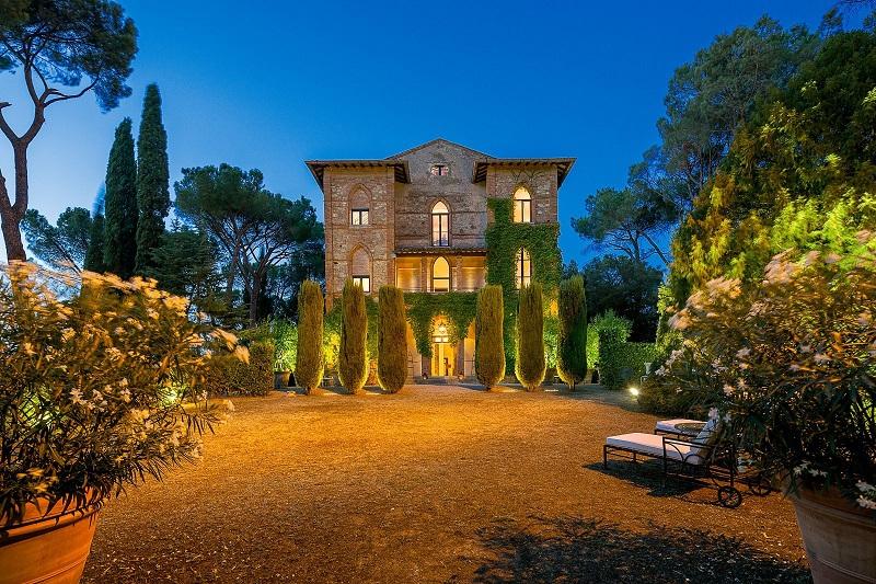 villa-siena-tuscany-italy-luxury-swimming-parco-del-principe-cov