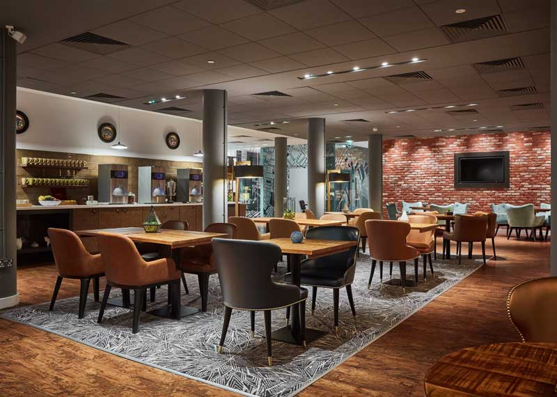 Double_Tree_by_Hilton_Hotel_Manchester_Piccadilly-meeting-breakout-area