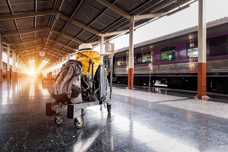 baggage-clock-hat-1170187